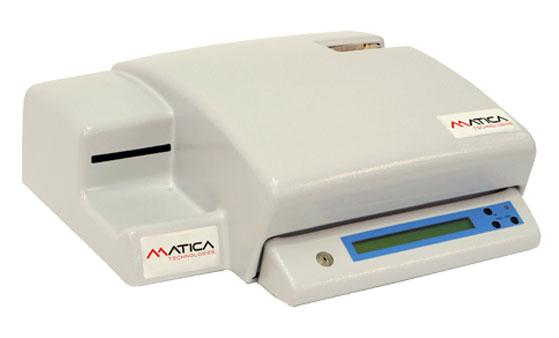 C310 ist das kleinste elektronische Prägesystem für Dog Tags.