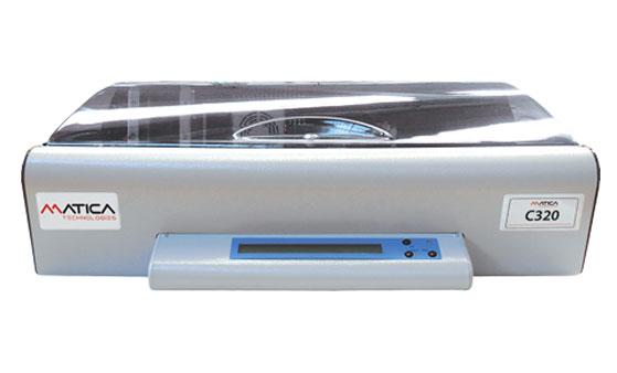 C320 ist das günstigste automatische Prägesystem für Metalletiketten
